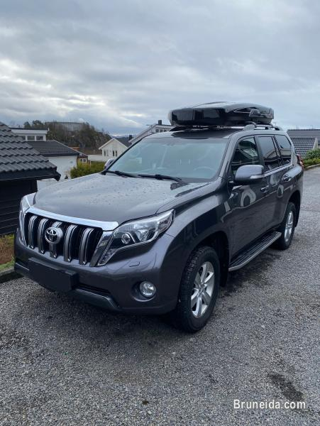 Pictures of Toyota Land Cruiser 3. 0 D-4D, 5 seats