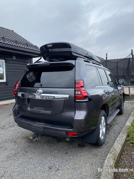 Toyota Land Cruiser 3. 0 D-4D, 5 seats