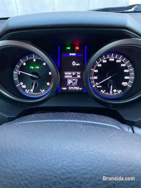 Toyota Land Cruiser 3. 0 D-4D, 5 seats in Brunei Muara
