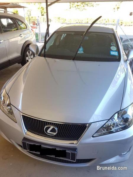 Picture of Selling LEXUS IS300