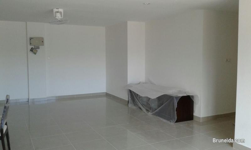 Spacious apartment for rent - Muara